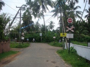 Sri Lankan passive level crossing. Source: Railroad crossings of the world (Flickr)